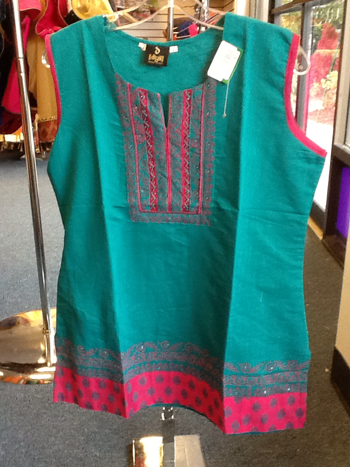 "Green Color Short Kurti With Pink Color Design  Size XL and Length 28"" VS-8B179"
