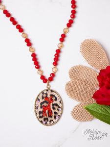 Leopard Circle Pendant Necklace with Reindeer