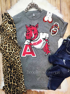 Arkansas Razorbacks Hog Leaning on A T-Shirt