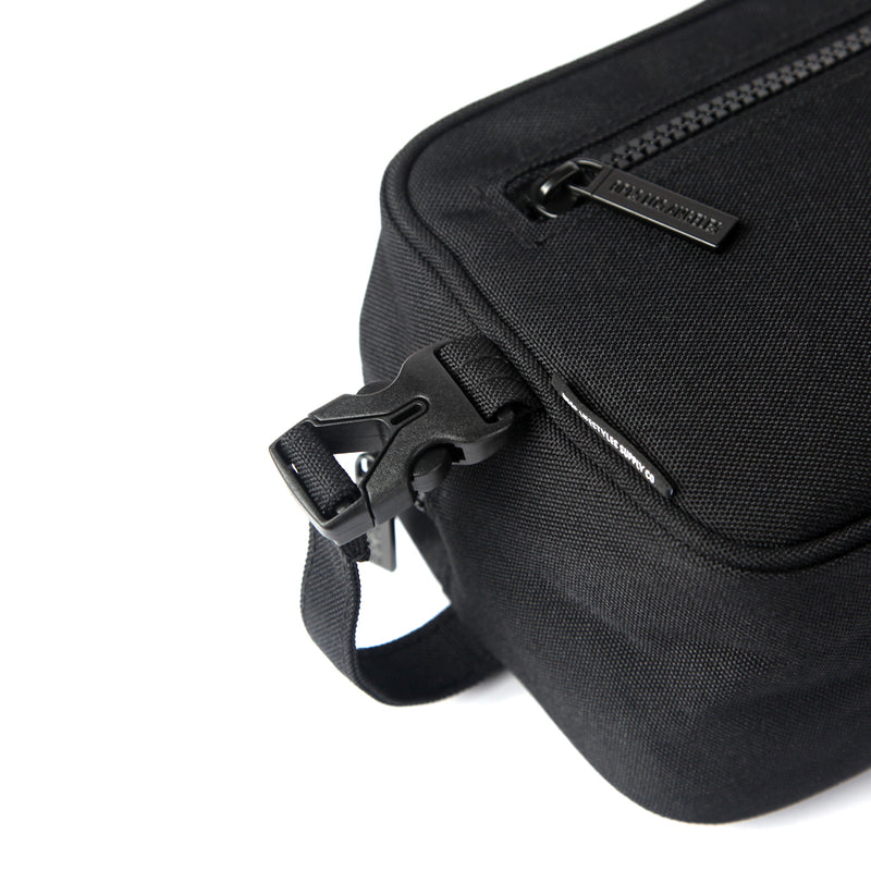 TOILETRY BAG w/STRAP (1302833004615)