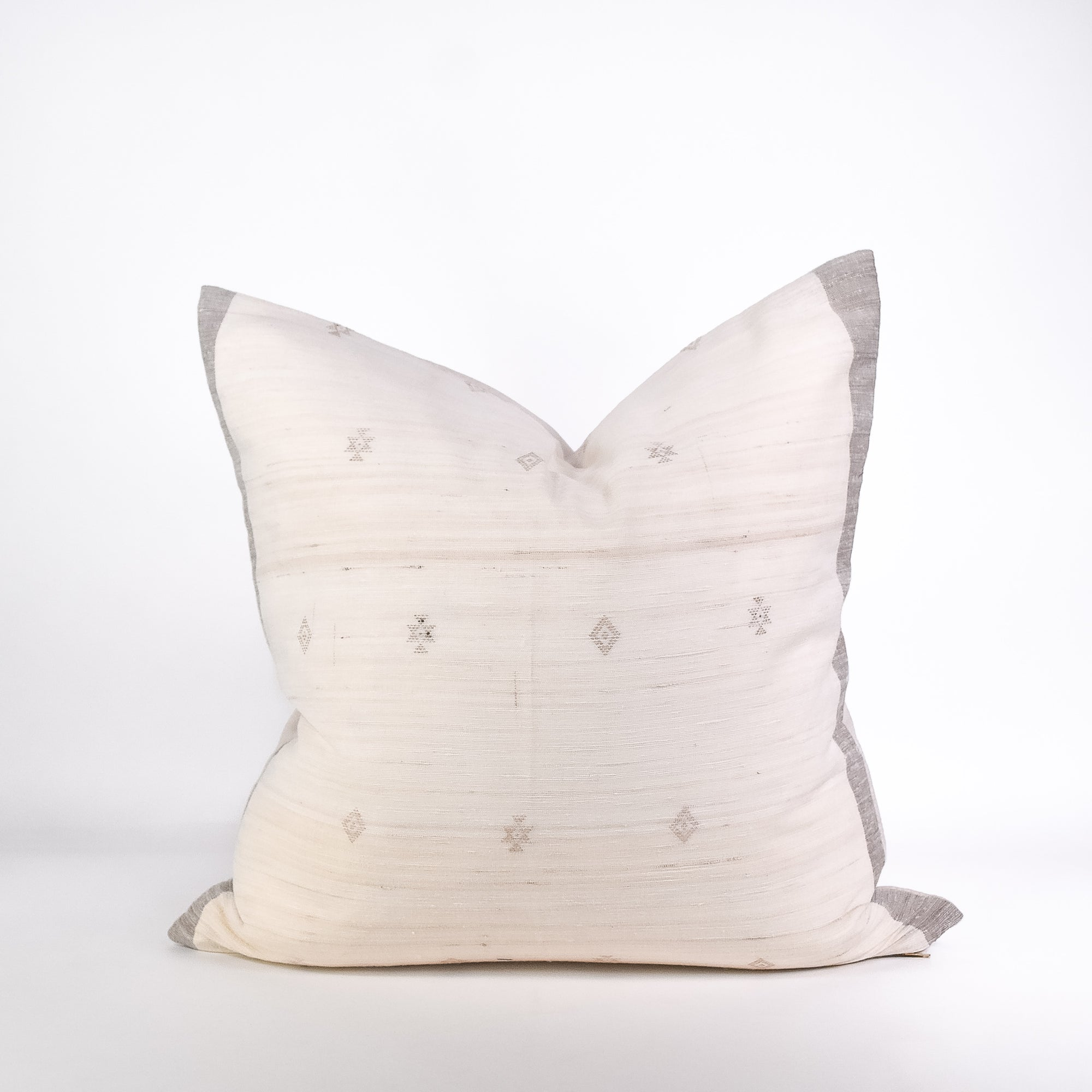 Pearl Tussar Pillow