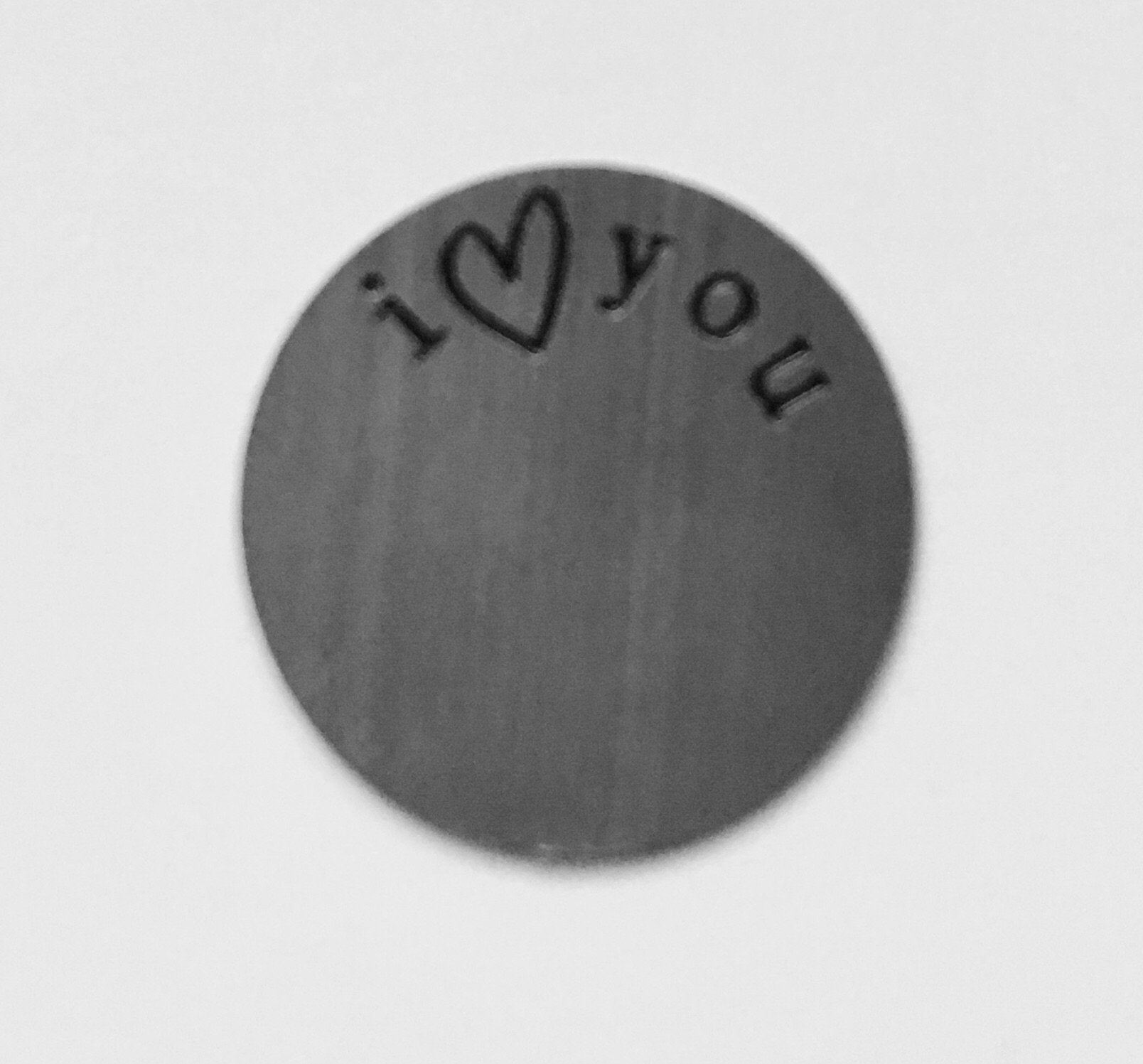 Back plate for use with medium lockets – 'I love you'