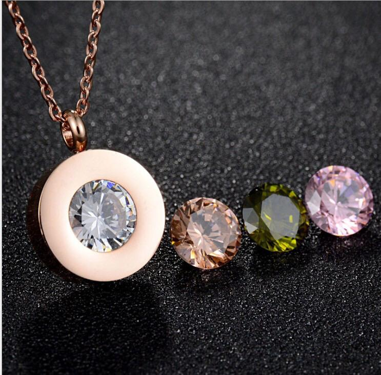 Pura Crystal Necklace Rose Gold