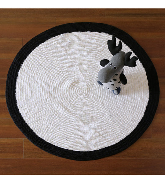 monochrome round floor rug perfect for room decor