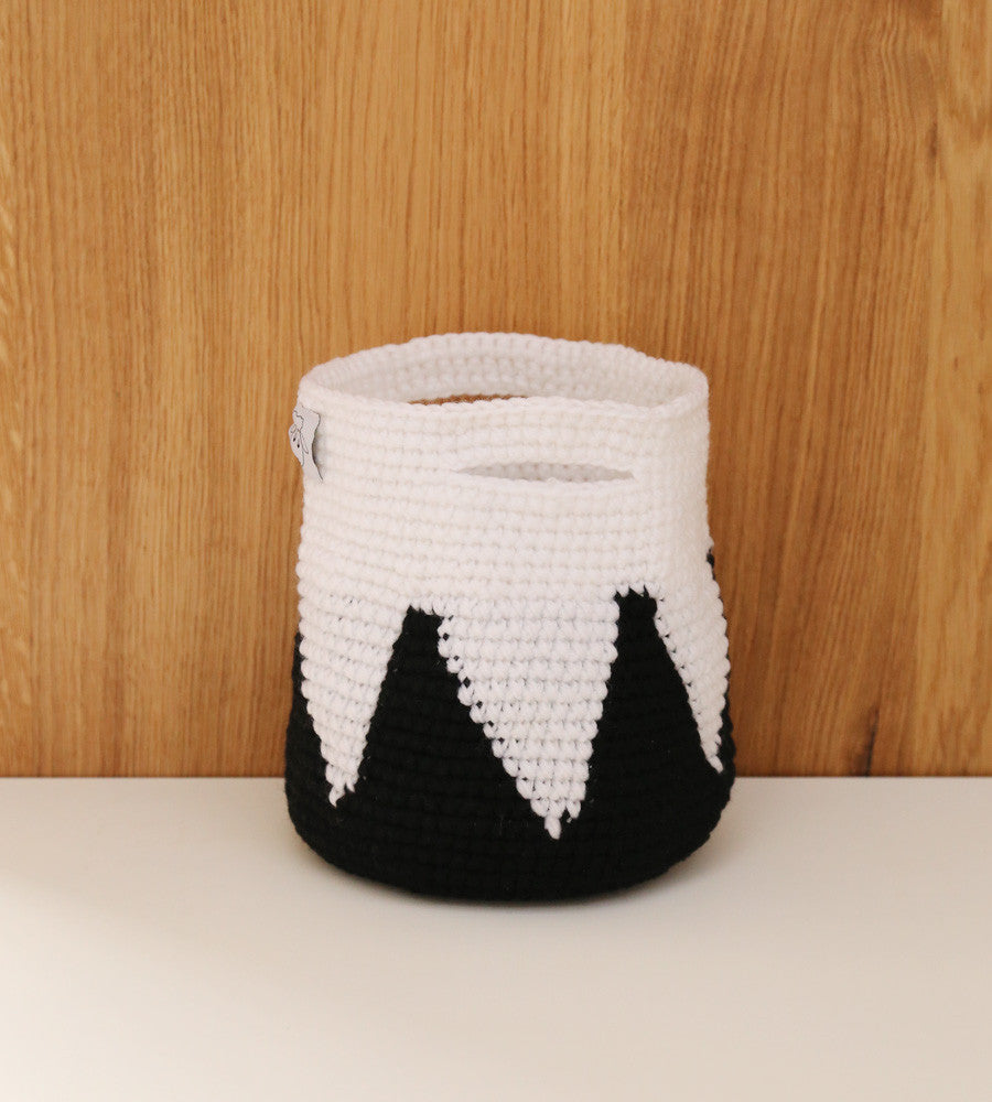 Black mountain crochet basket with handles
