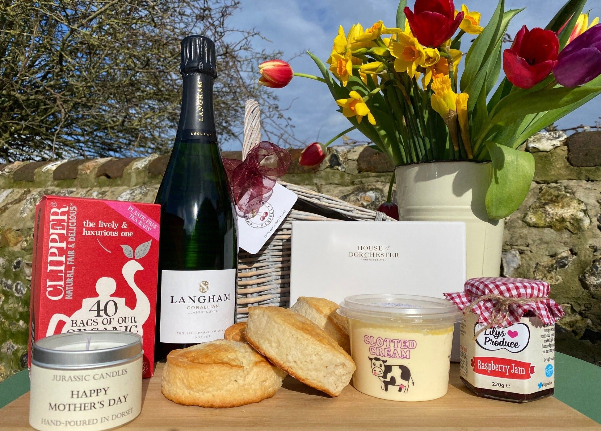 The Ultimate Cream Tea & Bubbles Dorset Gift Hamper