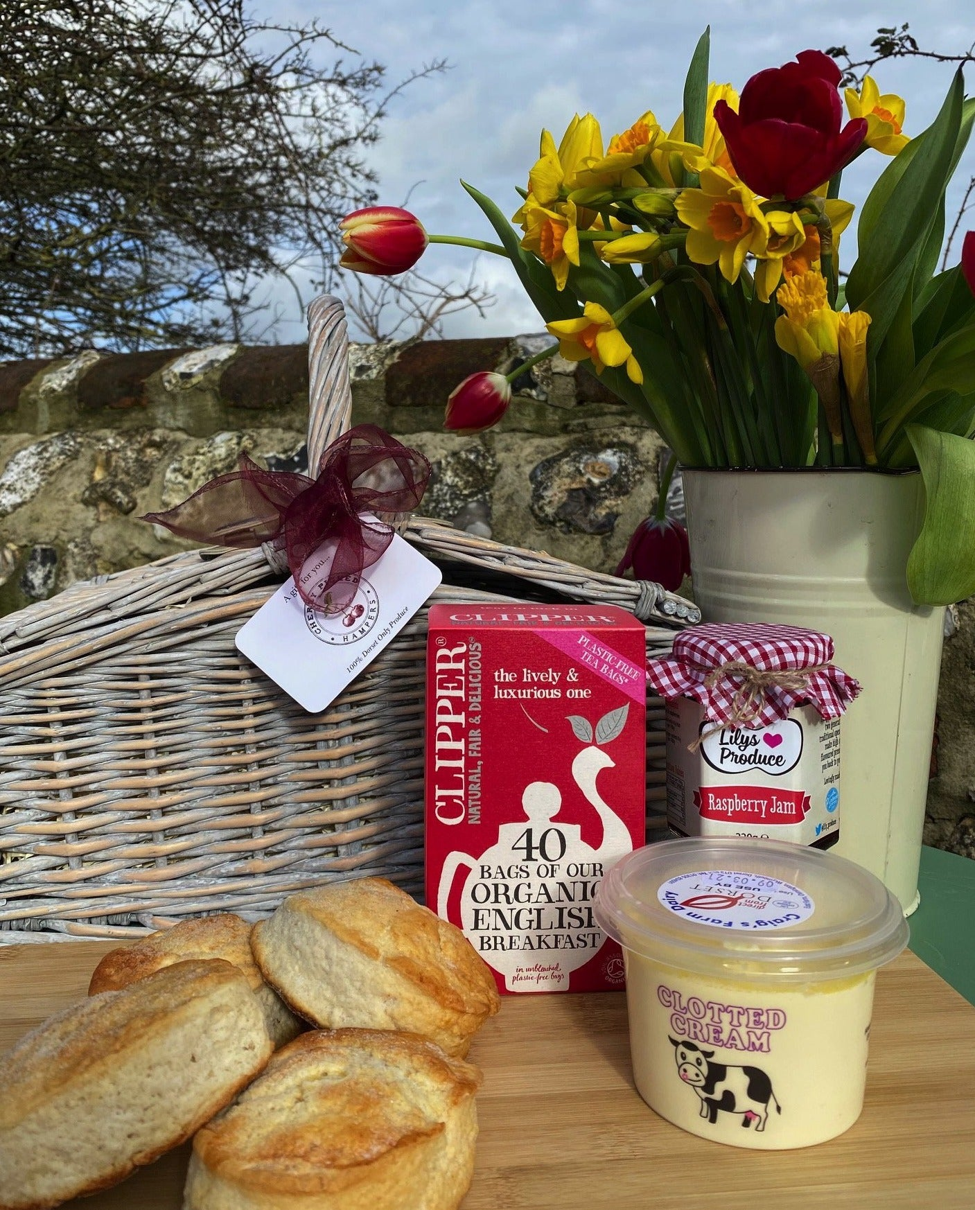 Cream Tea Gift Hamper with Clipper Tea