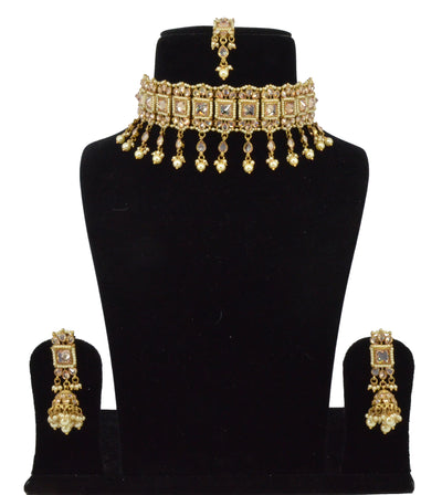 Aadya Necklace Set