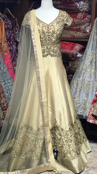 Gold Size 38 Tafetta Gown