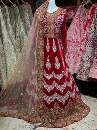 Heavy Bridal Gown with Train Size 38