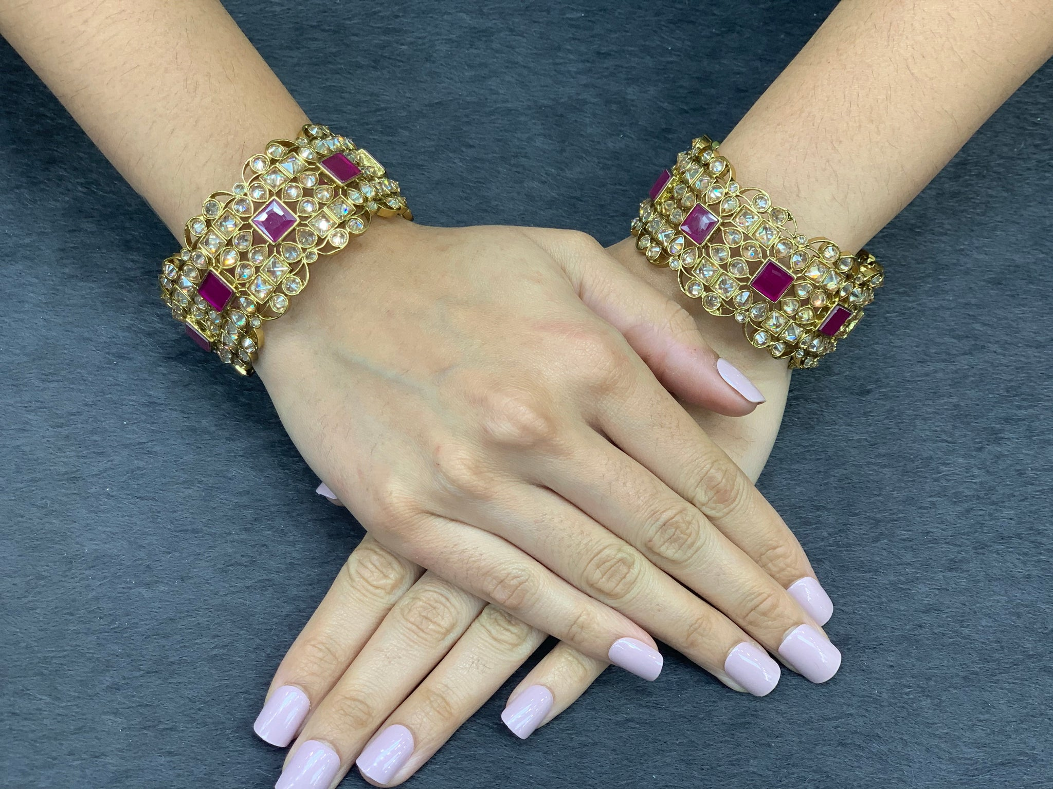 Antique gold openable bangle/kadas  (set of 2) ,Indian Traditional Bangles with polki stones, Bridal bangles