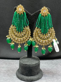 Long earrings with emerald green beads