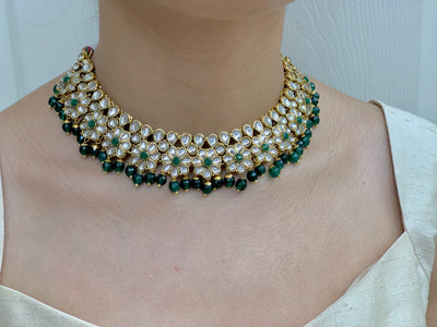 Gold Kundan Necklace Set W/Earrings & Mang Tikka NS13