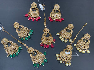 Antique Gold Earrings W/Mang Tikka E13