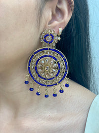Antique Gold Earrings W/Mang Tikka E14