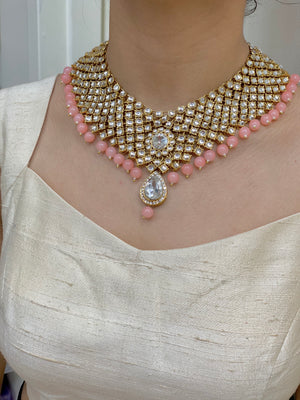 Gold Kundan Necklace Set W/Peach Accents & W/Earrings & Mang Tikka NS12