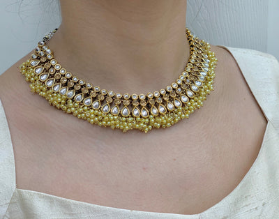 Gold Kundan Necklace Set W/Earrings & Mang Tikka NS20