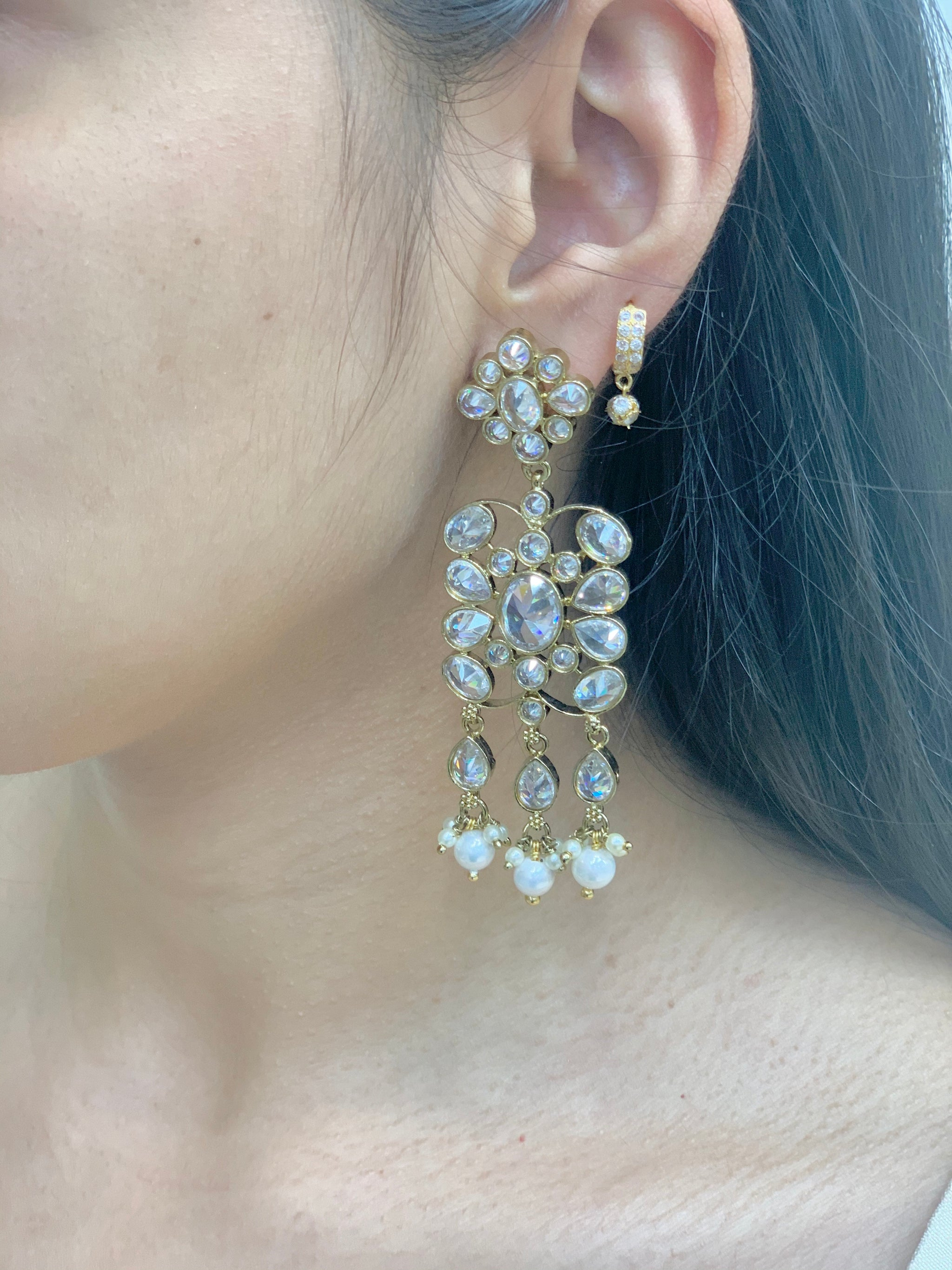 Antique Gold Earrings W/Mang Tikka E9