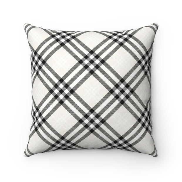 Black and White Gingham Plaid Throw Pillow | The Chocolate Chicken | Modern Farmhouse Home Decor