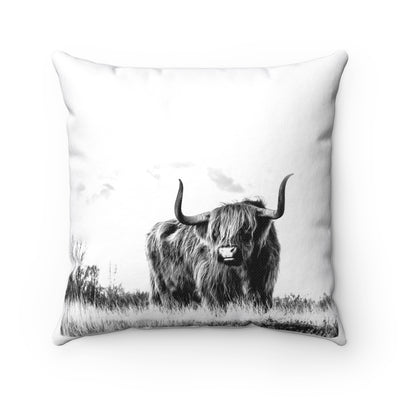Black and White Highland Cow Farmhouse Pillow | The Chocolate Chicken | Modern Farmhouse Home Decor