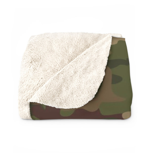 Army Camo Sherpa Fleece Blanket | The Chocolate Chicken | Modern Farmhouse Home Decor