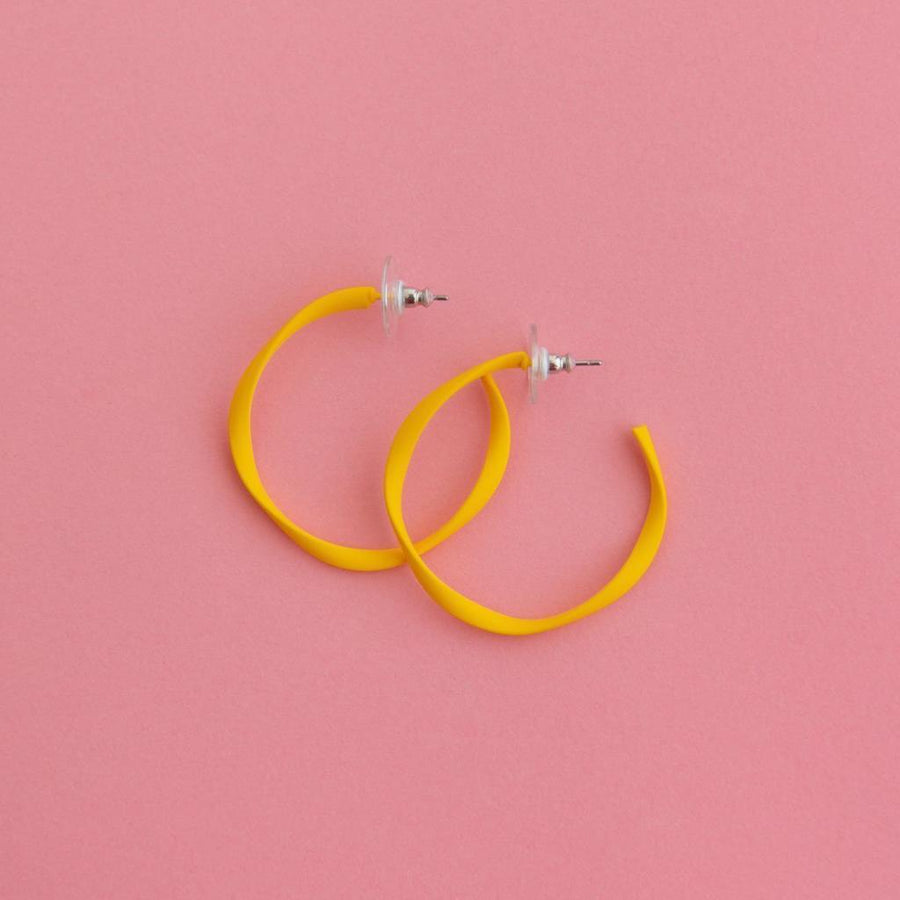 Twisted Midi Hoop Yellow