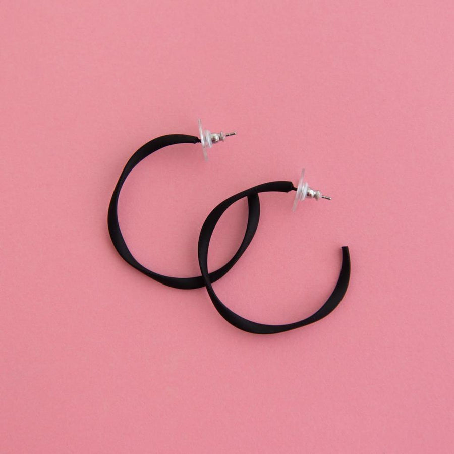 Twisted Midi Hoop Black