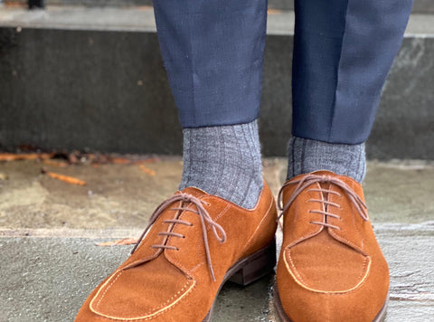 grey socks with blue dress pants and brown suede shoes