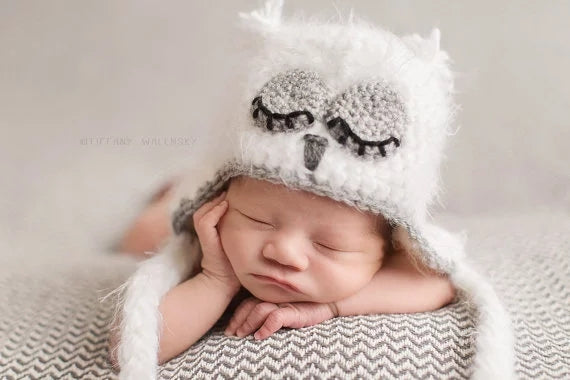 Thick lumpy newborn girl sleeping baby owl photo prop hat white pink braided tasseĺs infant baby
