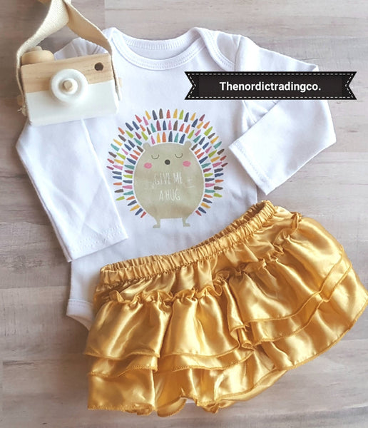 Give Me a Hug Hedgehog Newborn Nordic Girl's Set LS Onesie Bodysuit Gold Ruffle Diaper Cover Pom Pom Headband Infant Girl Boutique Baby Shower Gifts USA Shippig Clothes