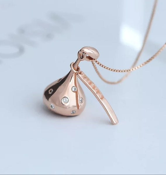 Rose Gold Valentine's Day Candy Kiss Necklace Women's Kisses Gift Jewelry Sweetheart Gifts Wife Girlfriend Pendant