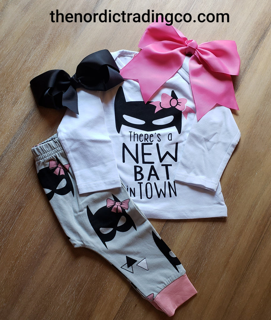 Baby There's A New Bat In Town Batman Girls Pink Outfit Romper Bodysuit Pants Bows Infant Girl Set Clothes Shower Gifts Newborn