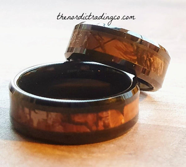 Camo Wedding Rings Set Black Tungsten Carbide Red Oak Forest Inlay Couple's Wedding Bands Sets 1 X Women's 1 X Men's Band USA Shipping Hunters Camouflage