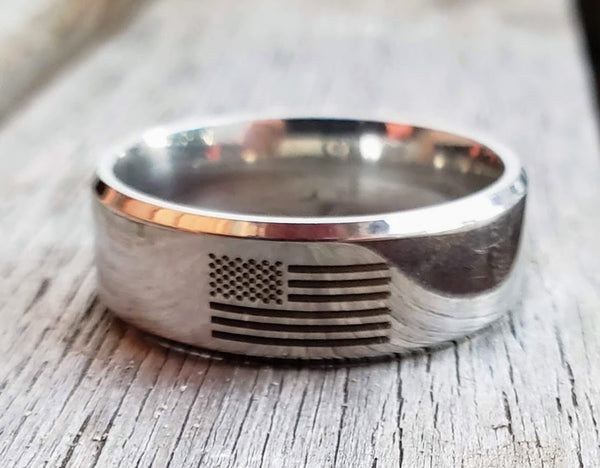 America Proud USA Flag Men's Ring Silver Stainless Steel American Flag Laser Engraved Wedding Band Military Law Enforcement Fire Fighter Rings Men Jewelry Gifts