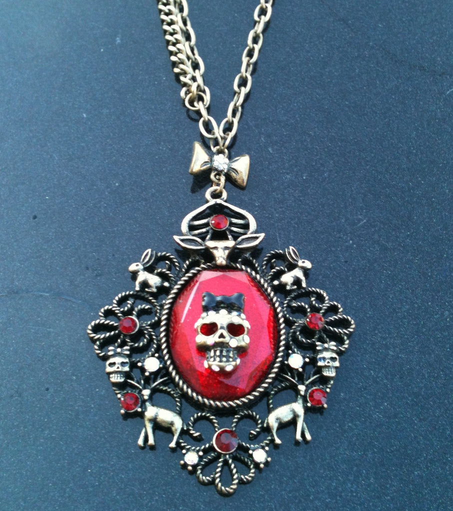 Betsey Johnson Dark Forest Retired Skull Necklace Pre Owned Like New Long Chain Halloween Gothic Goth Women's Jewelry