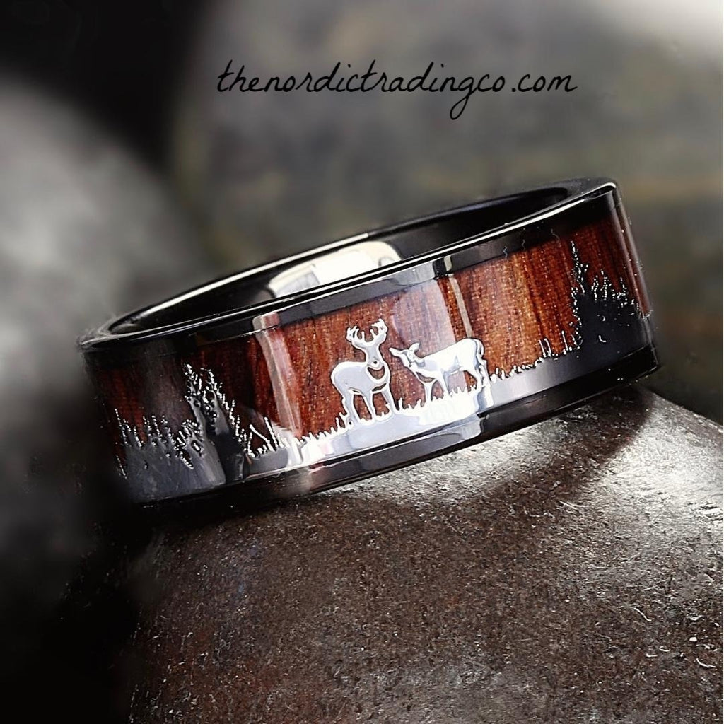Men's Black Tungsten Carbide Hunter's Band Wedding Ring Silver Deer Stag Doe Scenic Hunt Pattern Barrel Wood Inlay Hunter Camo Outdoors Man Mens Rings Bands Jewelry Gifts USA Free Ship Worldwide