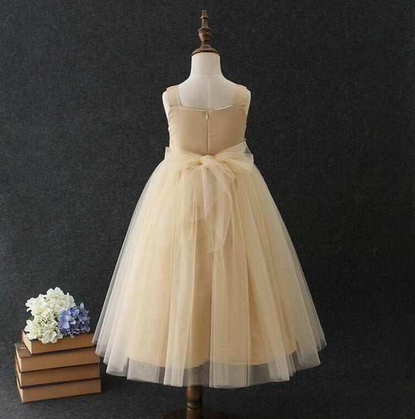 Almost Magic Flower Girl Dresses Vintage Glam Dress Pearls Whimsical Flowy Cape Marvelous Flowers Beige White Pink Big Girls Toddler Dress