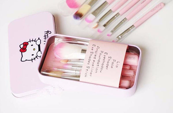 Hello Kitty 7 Piece Make Up Brush Set in Collectible Portable Tin Case includes 7 different brushes Women's Accessories