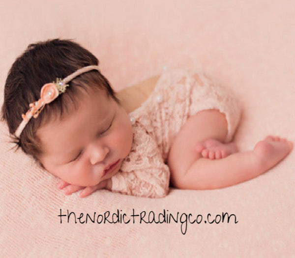 Newborn Photo Prop Vintage Lace & Pearls One Piece Bodysuit Apricot Pink Infants Girl Baby's First Photo's Baby Pictures