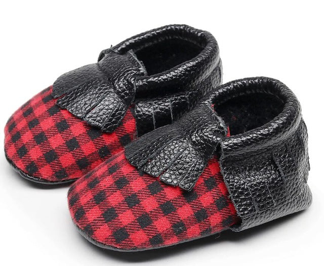 Buffalo Plaid Booties Baby Shoes First Walkers Crib Mocs Check Moccasin Fringe Newborn Boy's Infant Bow Size 1 / 2 Christmas Baby Shower Gifts Photo Cards