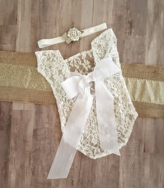 Newborn Boutique Lace Photo Prop Infant Girl's Outfit plus Vintage White Rose Headband Girl Baby Shower Gifts Scoop Back Satin Bow Girls Gift Outfits Sets 1st Photo Infant Photography