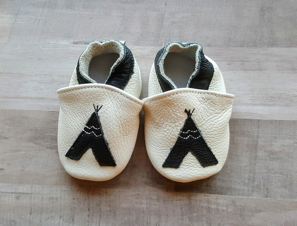 Tee Pee Moccasins Authentic Off White Leather Black Tent Infant Boy's First Shoes Super Soft Newborn Size 0/6 mo Boys' Boys Baby Shower Gifts