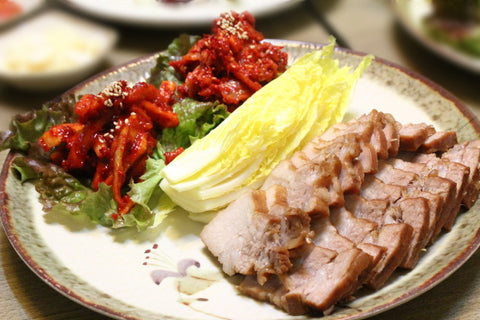[Ready to Eat] Bossam (Cabbage Wraps with Boiled Pork)/보쌈 (1 pack)