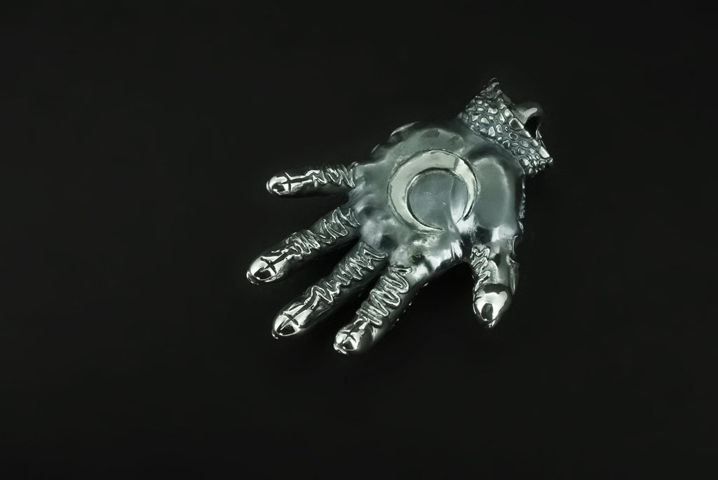 IC x Nil:GRAVE Chapi Monster Silver Hand Pendant