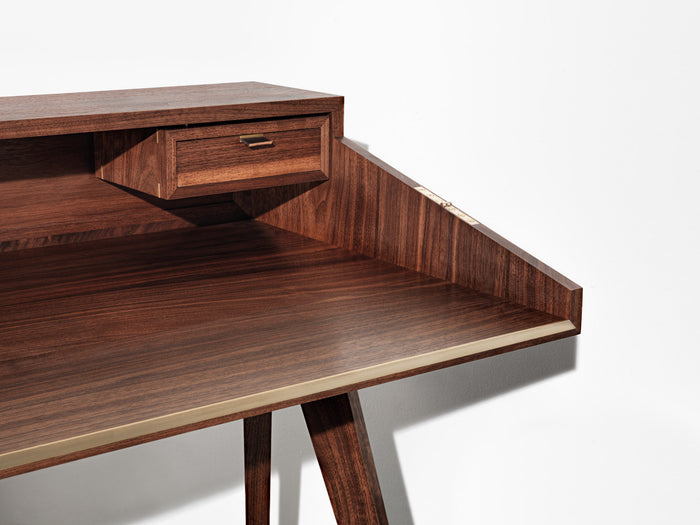 Furniture - Project 0002: Hinged Laptop Desk