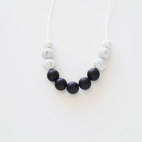 Mama Chew Teething Necklace - Black