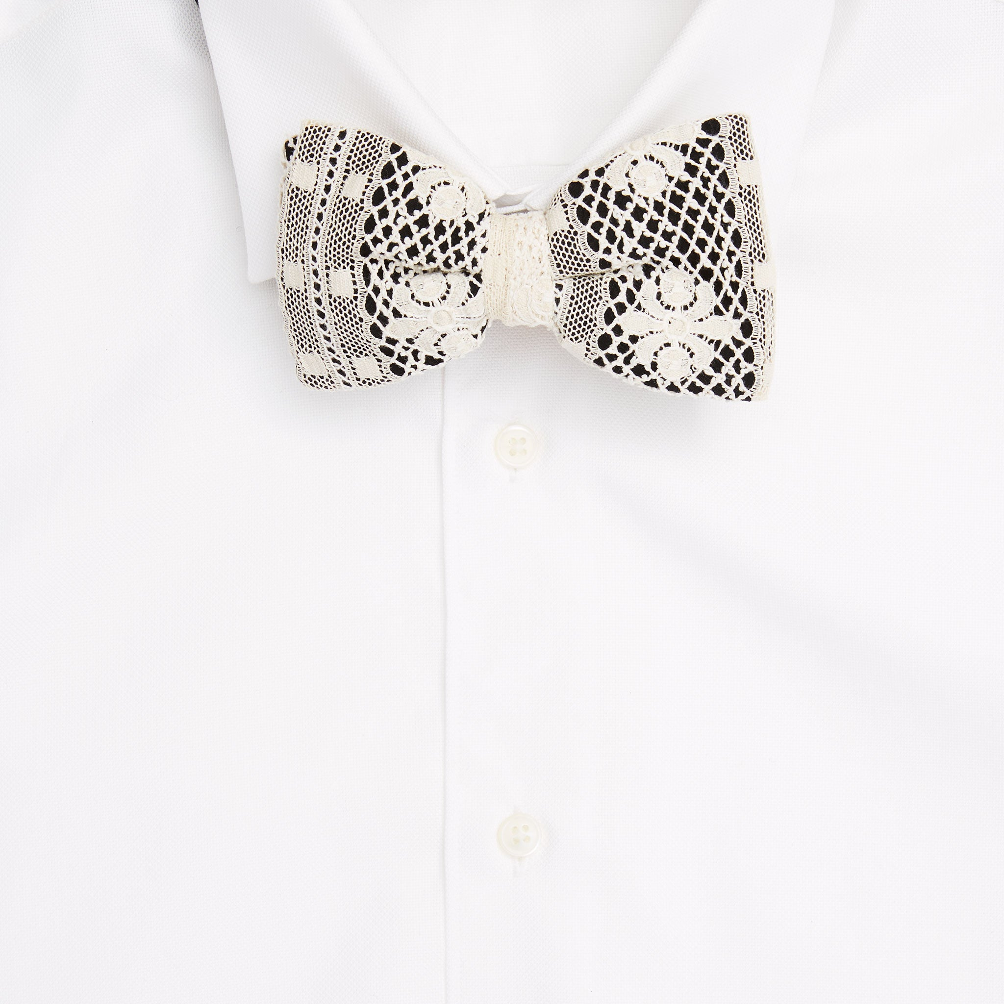 Crest Lace Pre-Tied Bow Tie
