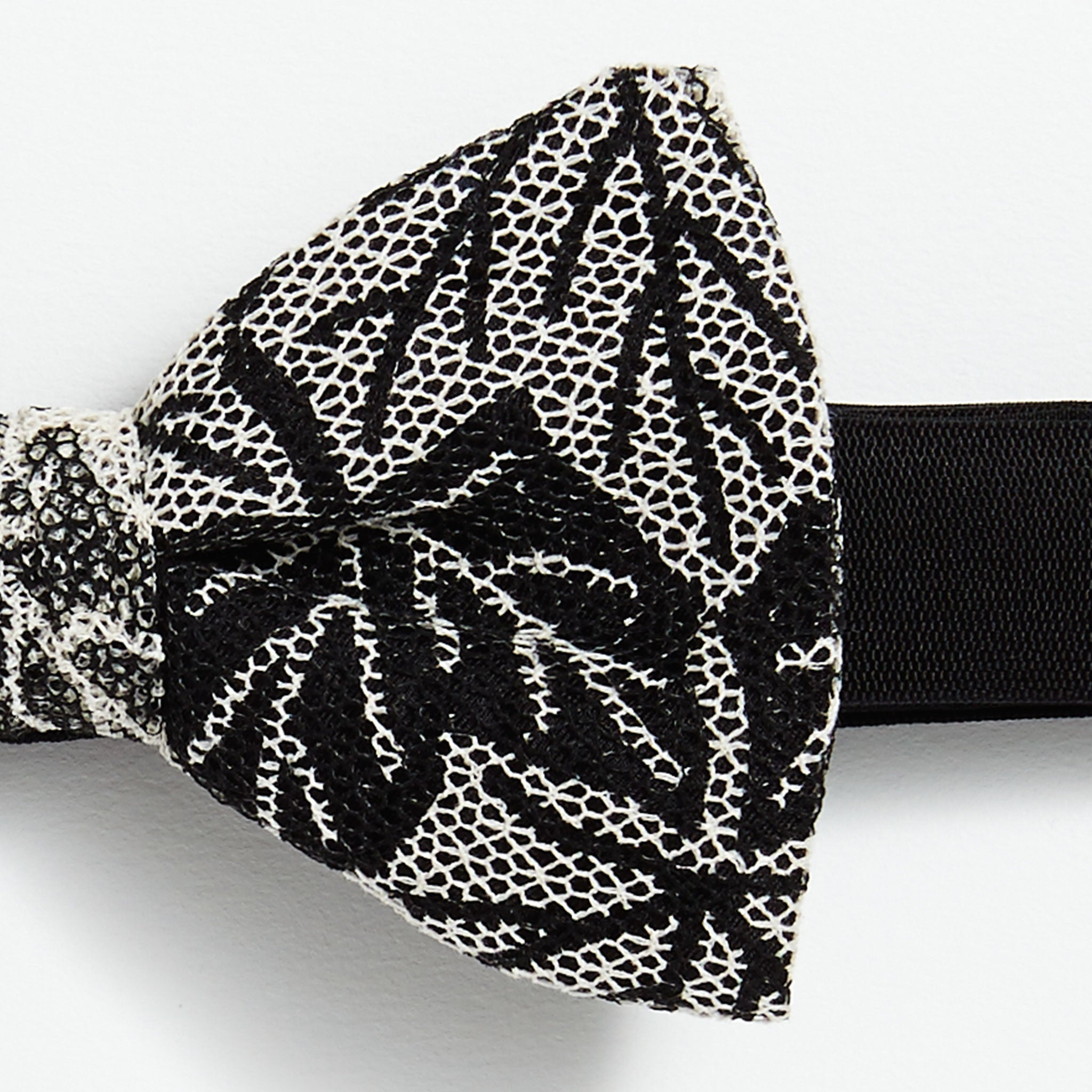 Marwood x All Fall In Printed Lace Pre-Tied Bow Tie