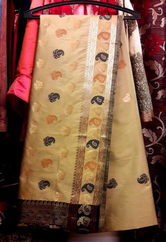11A. Bengal silk - Beige and black