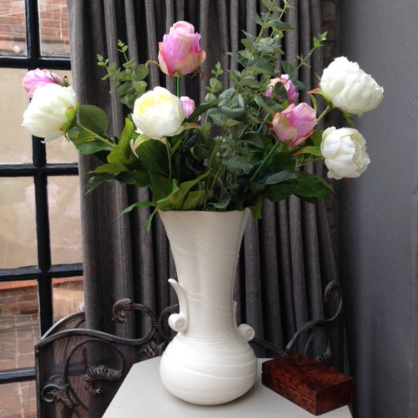 Vintage Cream VASE large with Silk Flowers delivery in Newbury, Hungerford and Kingsclere.